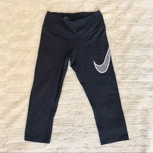 Nike Dri-Fit 3/4 Cropped Leggings